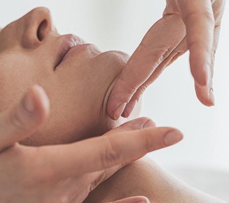 intensywna-pielegnacja-twarzy-z-liftingiem-biodyn